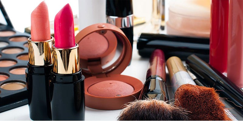 Top 5 Cosmetics Brands in Pakistan