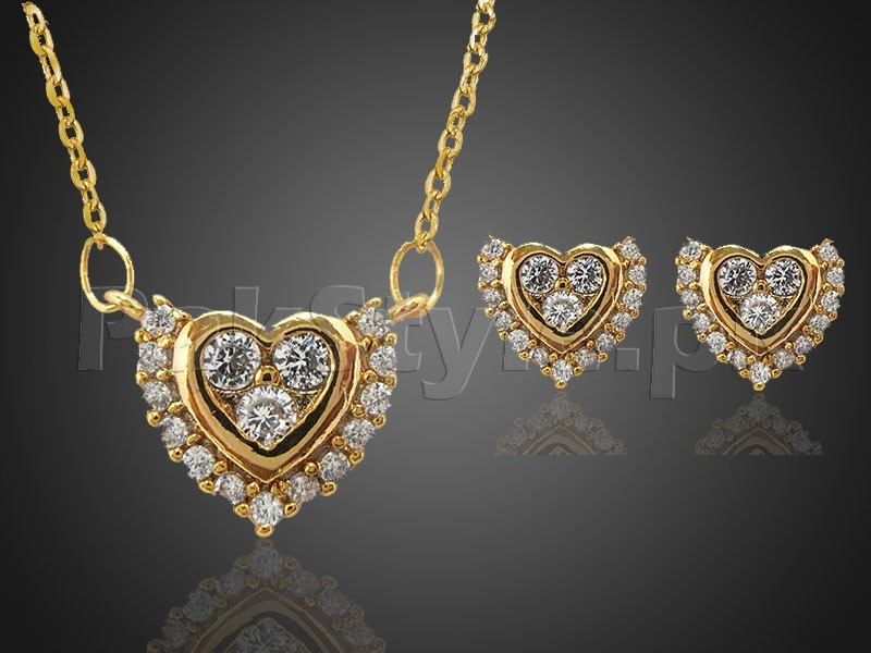 Delicate Heart Shaped Necklace with Earrings