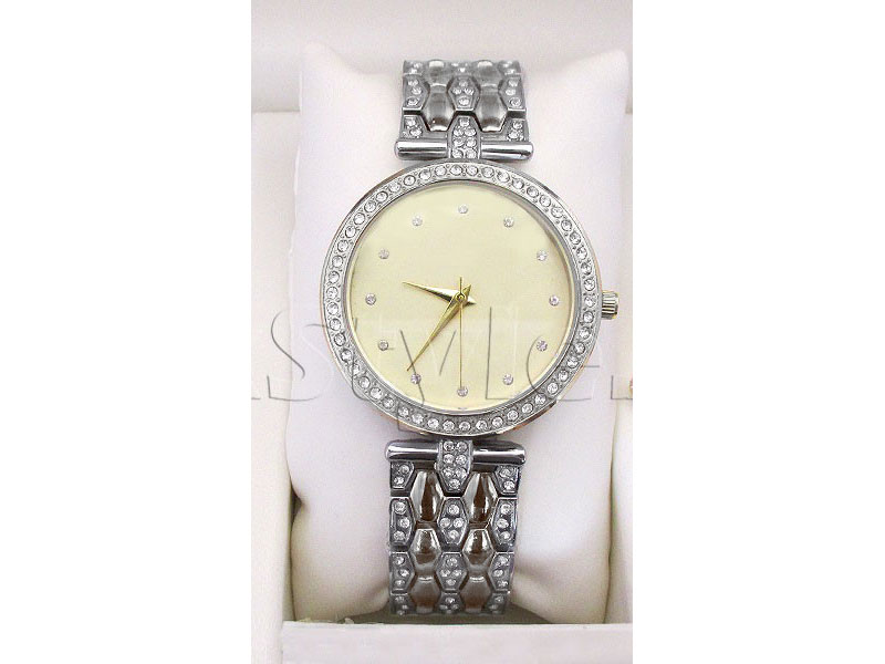 Combo Pack of Ladies Watch & 2 Mini Perfumes