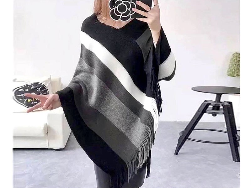 Women's Winter Wool Cape Shawl - Black
