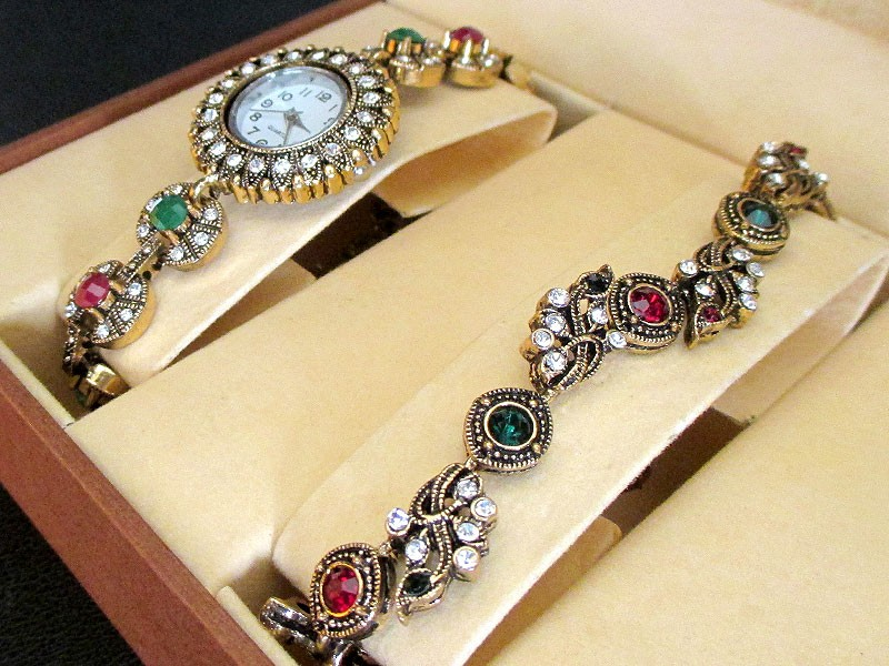 Antique Design Bracelet & Watch Gift Set