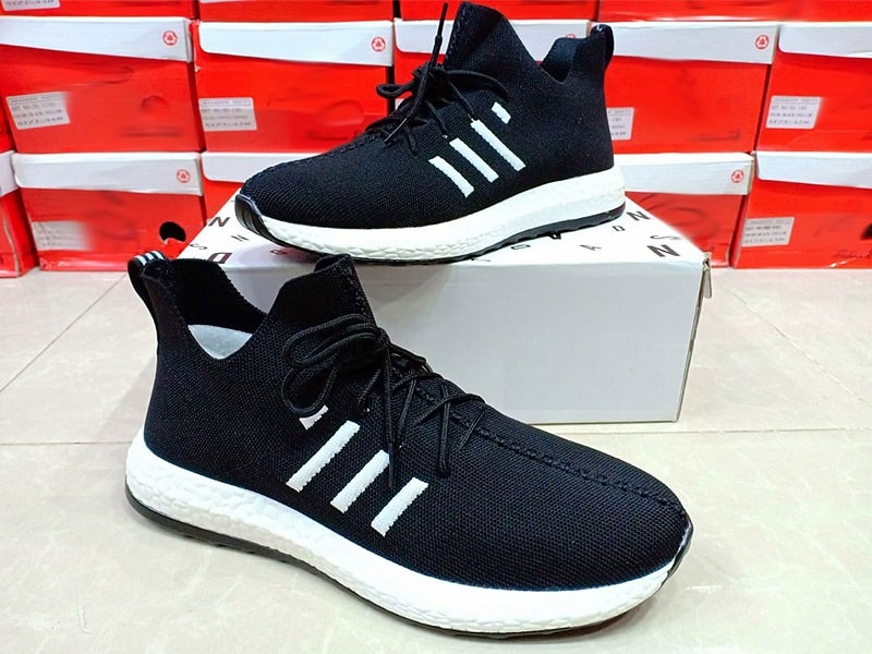 Stylish Black Sneaker Shoes for Men Price in Pakistan