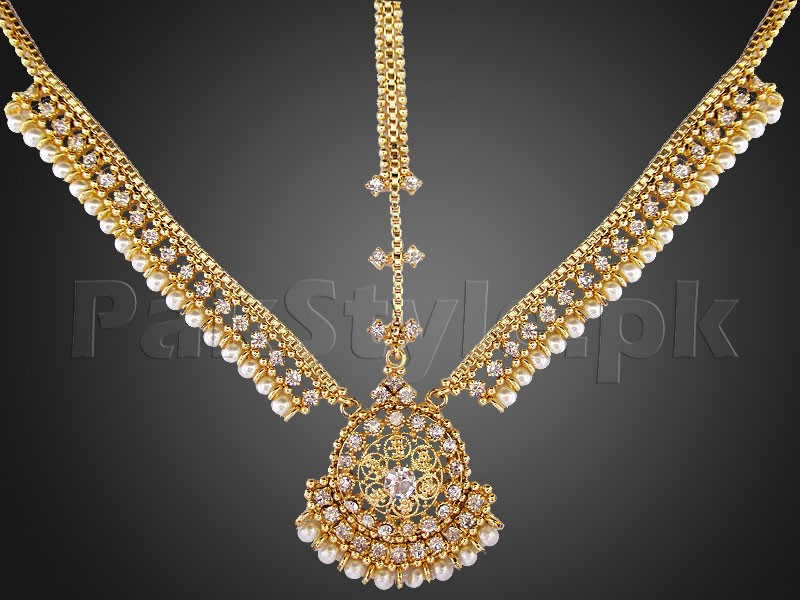 White Pearls Golden Matha Patti