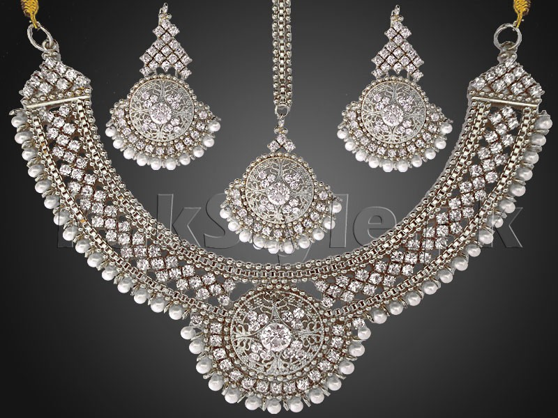 Pearls Silver Jewellery Set with Matha Patti Price in Pakistan