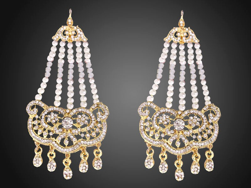 Elegant Pearls Golden Earrings