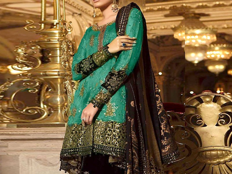 Elegant Embroidered Lawn Suit with Lawn Dupatta Price in Pakistan