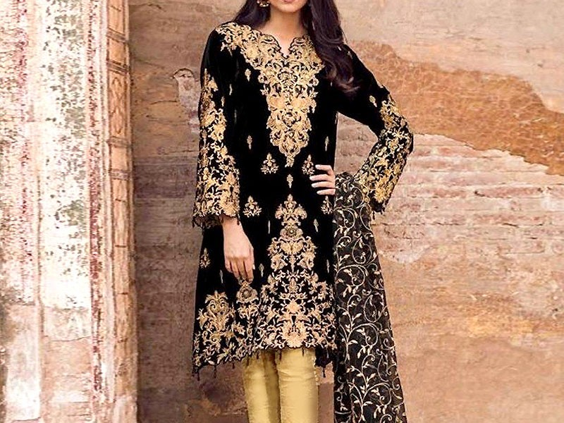 Embroidered Black Linen Dress with Chiffon Dupatta