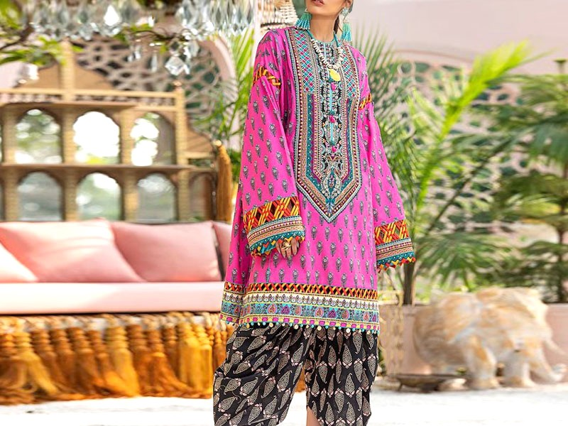Heavy Neck Embroidered Lawn Dress with Chiffon Dupatta