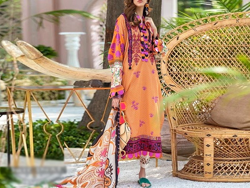 Heavy Neck Embroidered Lawn Dress 2020 with Chiffon Dupatta