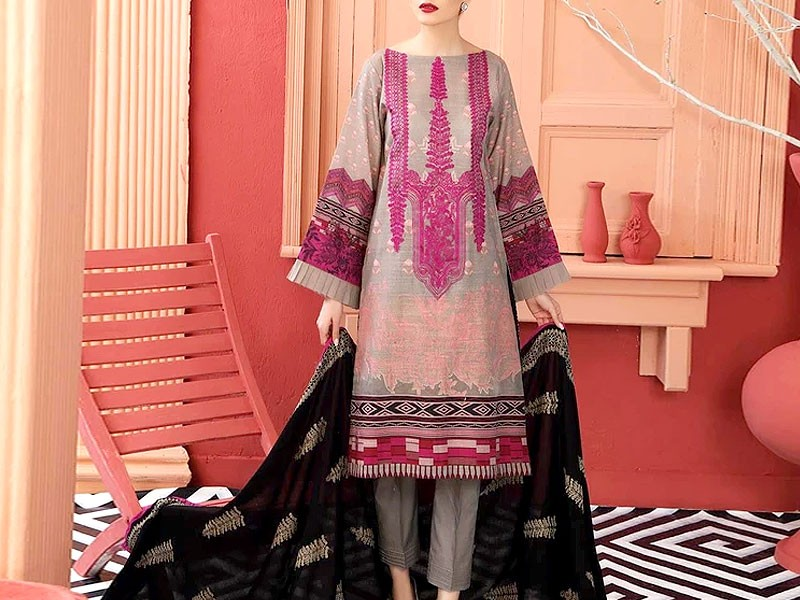 Elegant Embroidered Lawn Suit 2021 with Chiffon Dupatta Price in Pakistan
