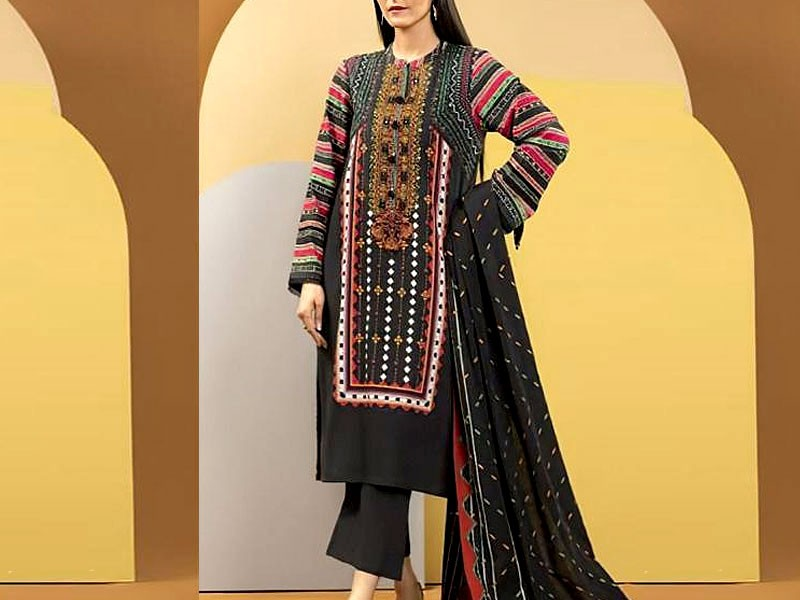 Embroidered Lawn Dress 2021 with Chiffon Dupatta Price in Pakistan