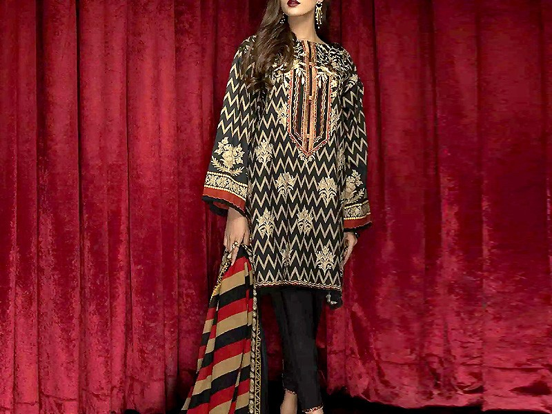 Heavy Embroidered Lawn Dress 2021 with Chiffon Dupatta