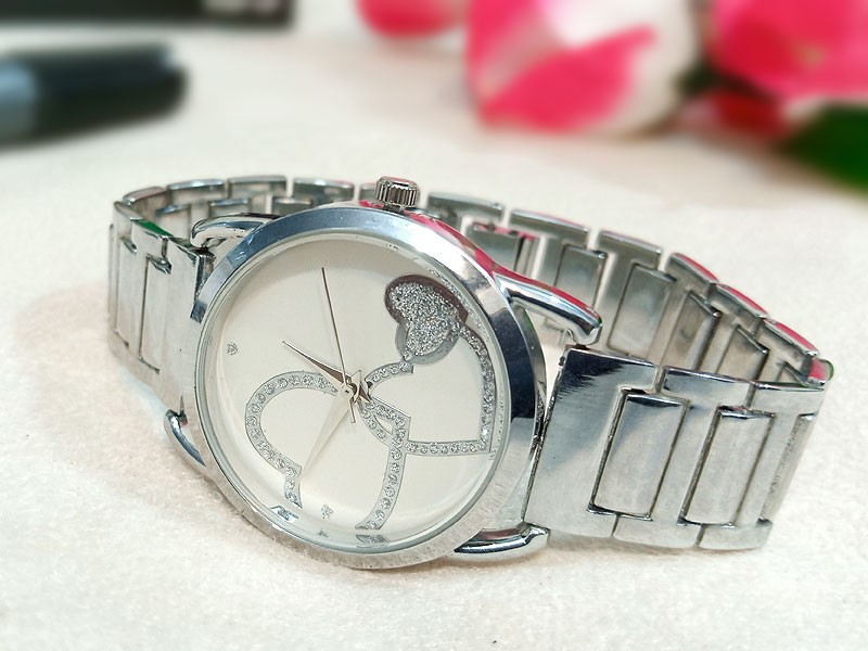Elegant Heart Dial Ladies Silver Watch