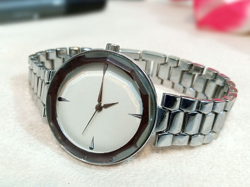 Elegant White Dial Ladies Jewelry Watch Price in Pakistan