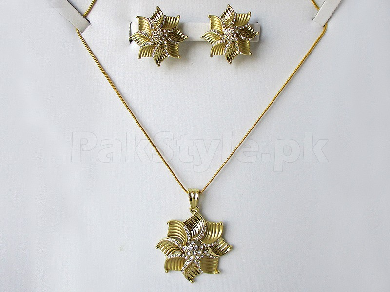 Ladies Fashion Jewellery Set Price in Pakistan: Rs.1500 Rs.899