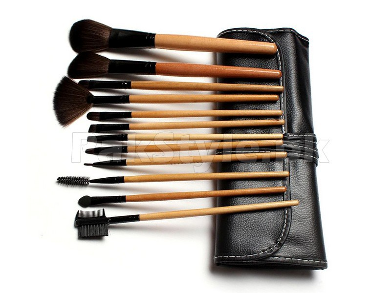 Bobbi Brown 12 Pieces Cosmetics Brush Set