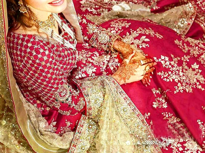 Sale: Embroidered Chiffon Bridal Suit with Net Dupatta in Pakistan