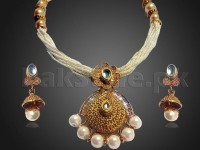 Indian Pearl Jewelry Set in Pakistan