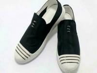 Unisex Black & White Casual Sneakers in Pakistan