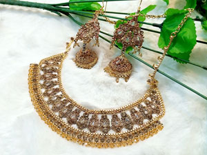 Heavy Bridal Necklace Set with Earrings Price in Pakistan