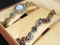 Antique Design Bracelet & Watch Gift Set Price in Pakistan