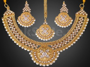 Pearls Golden Jewellery Set with Matha Patti Price in Pakistan