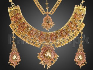 Heavy Bridal Necklace with Earrings and Matha Patti Price in Pakistan