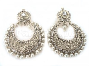 Pearls Fashion Silver Earrings Price in Pakistan