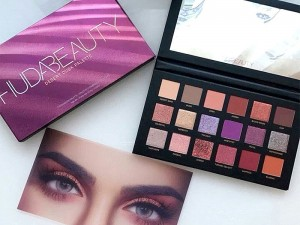 Huda Beauty Desert Dusk Palette Price in Pakistan