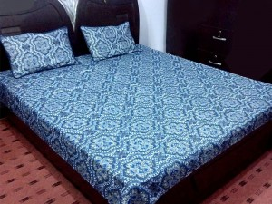 King Size Polyester Cotton Bed Sheet with 2 Pillow Covers in Pakistan