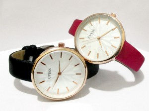 Pack of 2 Women's Watches Price in Pakistan
