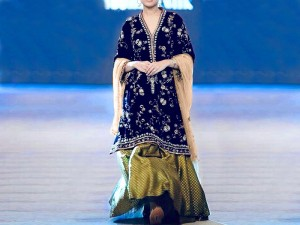 Embroidered Navy Blue Velvet Dress with Net Dupatta