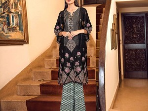 Heavy Embroidered 2-Pieces Velvet Dress with Jamawar Trouser Price in Pakistan