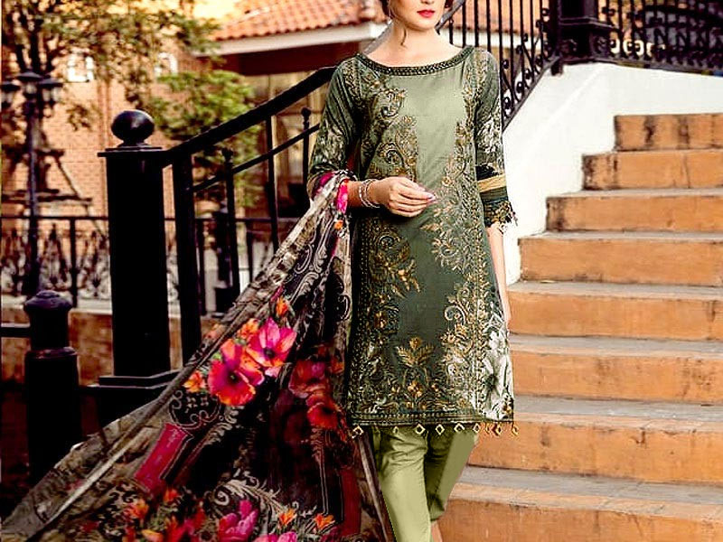 Heavy Front Panel Embroidered Lawn Dress 2021 with Chiffon Dupatta