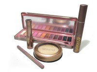 Urban Decay Makeup Kit in Pakistan