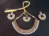 Antique Design Pearl Jewellery Set in Pakistan