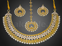 Pearl Golden Jewellery Set in Pakistan